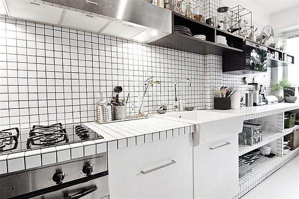 czarno-bialy-apartament-biale-kafelki