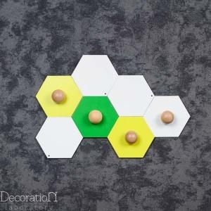 Modułowe wieszaki od Decoration Laboratory.