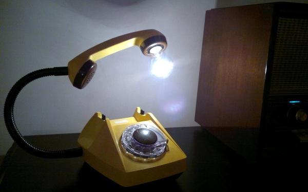 refresz_dizajn-lampa_telefon_2