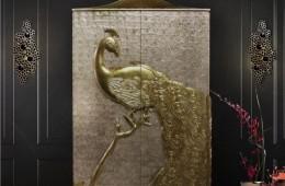 szafa ze złotym pawiem, szafa z masy perłowej, droga szafa