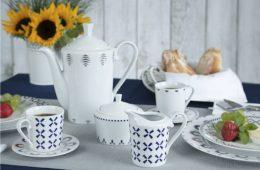 biało niebieska porcelana, czajnik, kubek, cukiernica