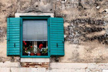 turkusowa okiennica