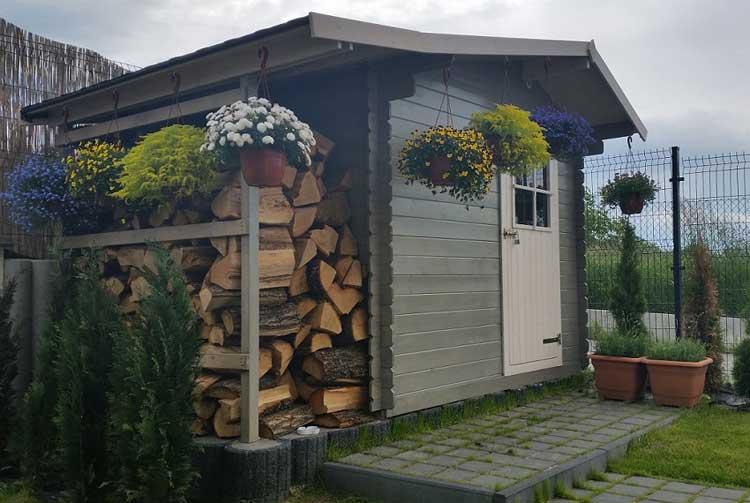 drewniany domek ogrodowy aster