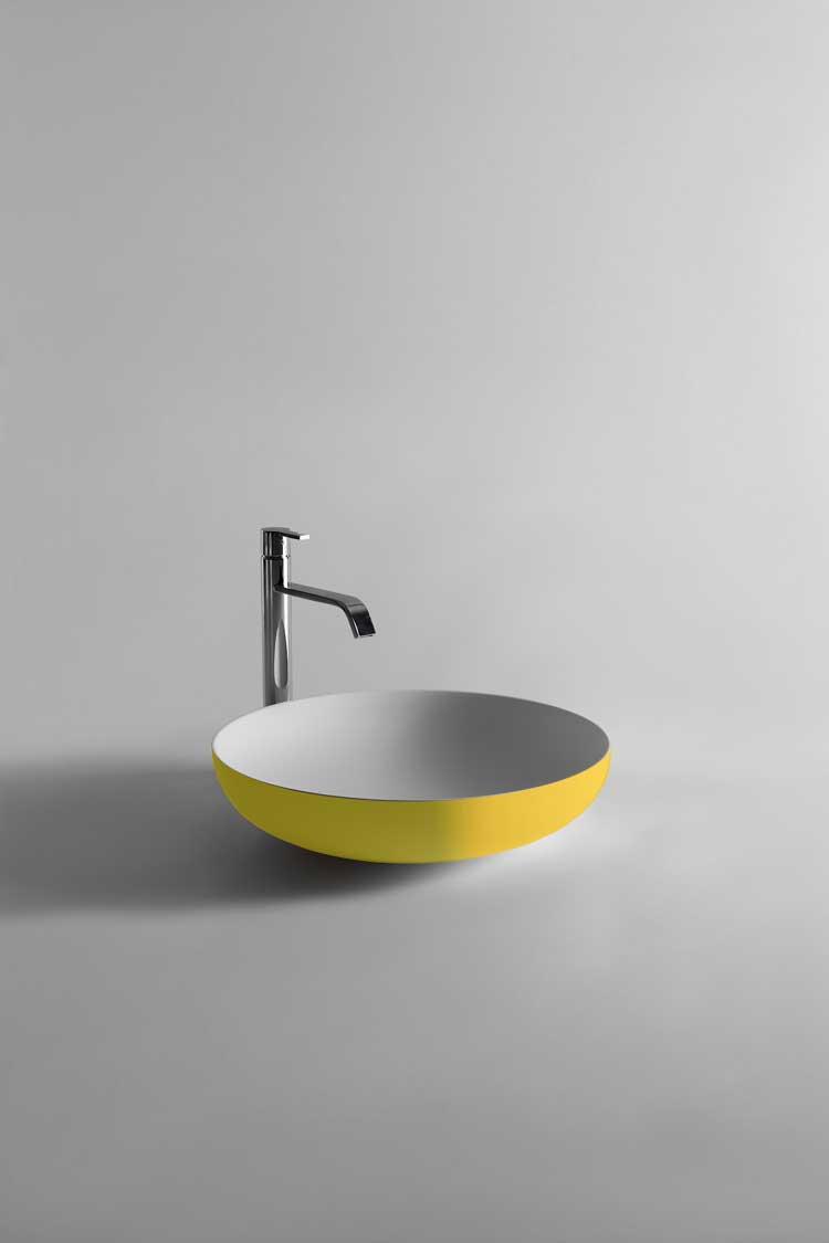 żółta minimalistyczna umywalka