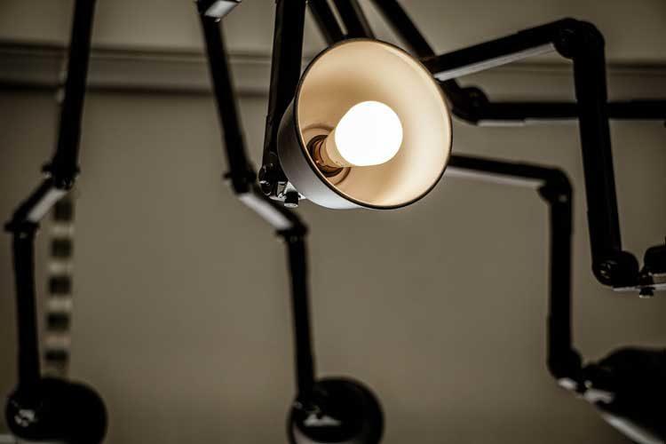 industrialna lampa pająk