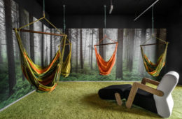 Fot. Mikomax. Jak urządzić pokój relaksu? Inspirując się naturą, która skutecznie rozładowuje stres u pracowników.