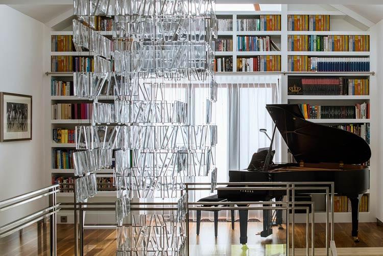 Pianino w nowoczesnym salonie
