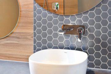 mozaika heksagon w łazience